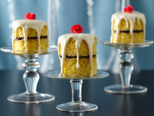 Rose Jelly Cake Recipe: English Rose Jam Cake Stacks Recipe