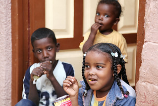 Kids in the nubian village, Aswan, Egypt アスワン、ヌビア村の子供たち | by travelingmipo
