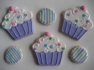 cupcakes and itsy bitsy circles | by Songbird Sweets