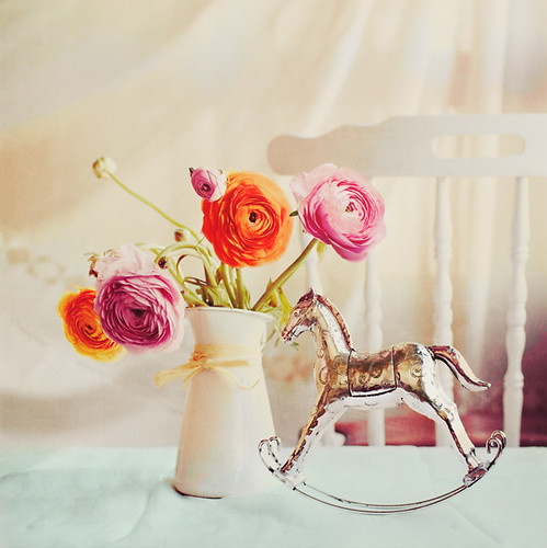 In love with Ranunculus ♥ ! | by www.juliadavilalampe.com