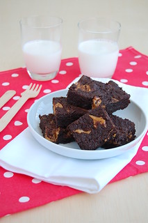 Peanut butter brownie / Brownies com manteiga de amendoim | by Patricia Scarpin