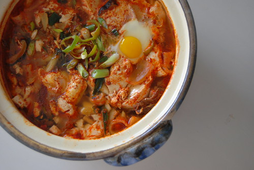 spicy tofu stew {Soondubu jjigae} | by alla9922