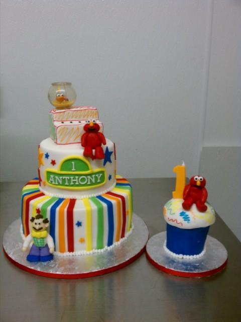 Anthonys Elmo theme First Birthday cake and matching Elmo Flickr