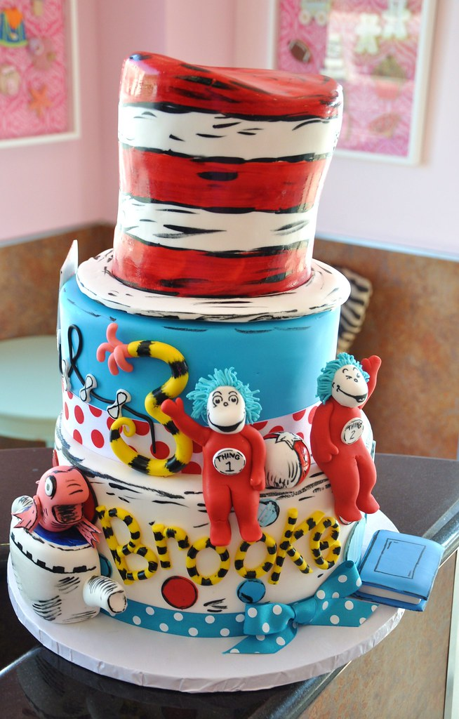 Dr Seuss Birthday Cake Cat In The Hat One Fish Two Flickr