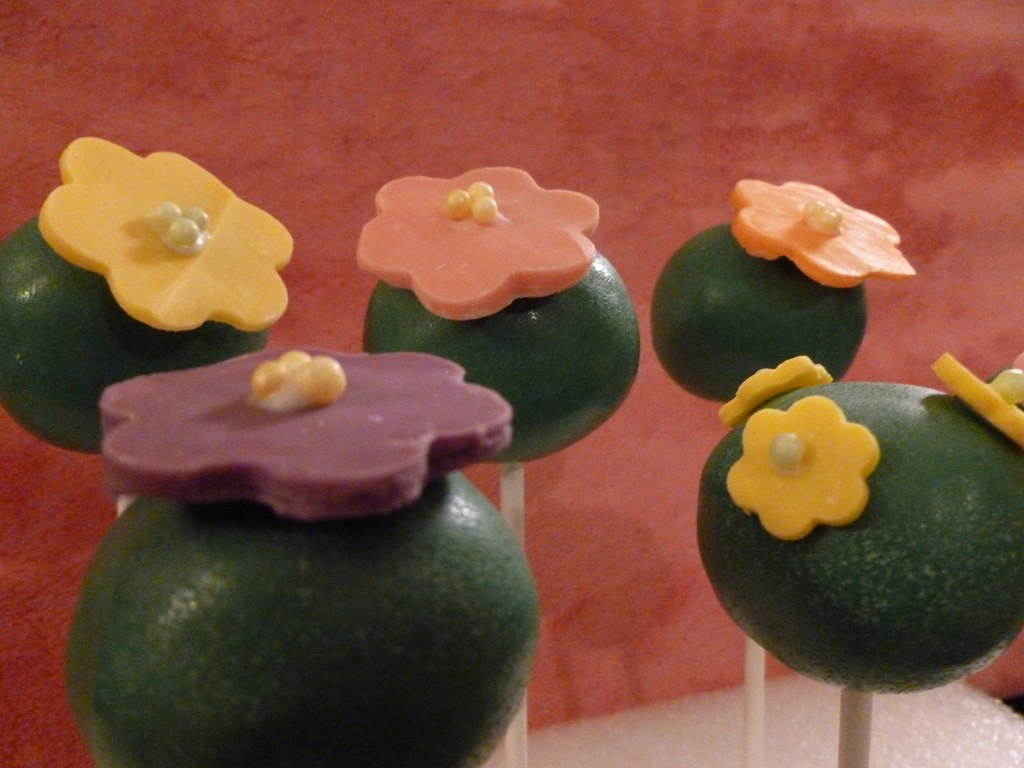 Flower Cake Pop Bouquet This Little Flower Bouquet Is The Flickr