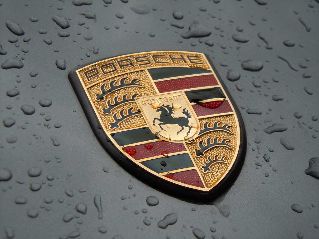 Porsche Logo With Waterdrops Today Is Was A Rainy Day In T Flickr