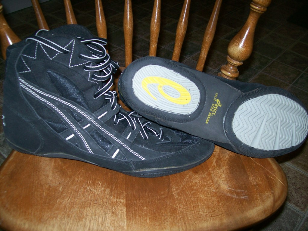 SOLD Asics Kaos Wrestling Shoes SIZE 13 (Front/Bottom) | Flickr