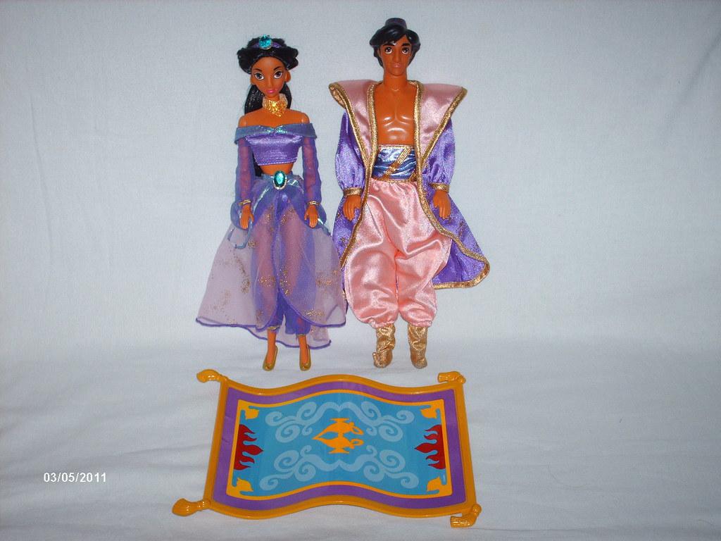 RARE Aladdin Jasmine Magic Carpet Giftset