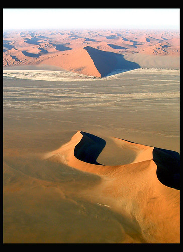 20041217 Aerial View of Dunes, Sossusvlei Flight, Namibia 3004 | by Gary Koutsoubis