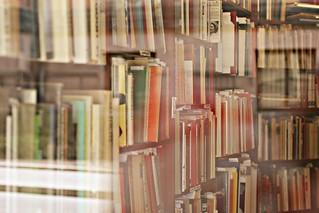a whole lot of books | by mazarin♥