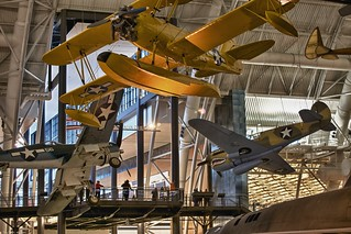 To sleep, perchance to dream.. Smithsonian Air & Space Museum Annex at Dulles Airport. | by DigitalDoug - 攝影