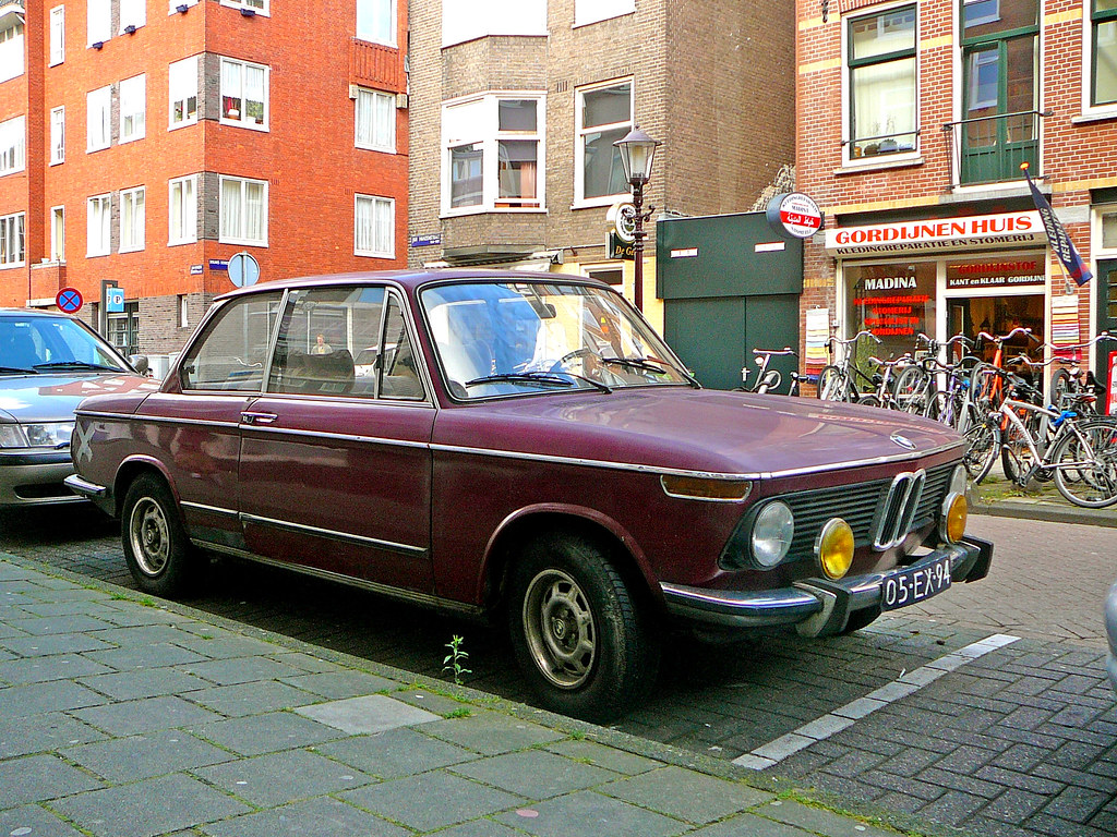bmw 1602 1975 amsterdam jan hanzenstraat 09 2009 by jacques