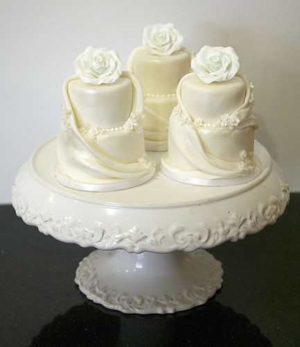 Mini Cakes Toronto