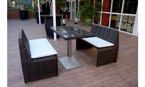 Composici n para exterior de dos bancos y mesa for Muebles sanchez granada