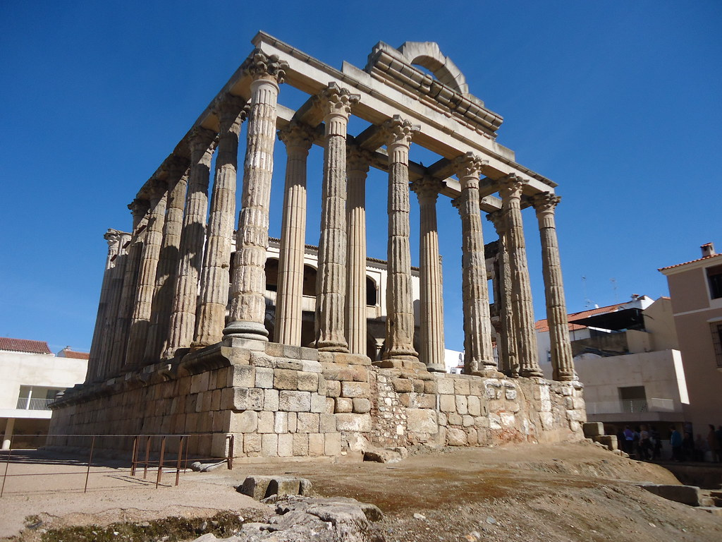 Merida, Spain | 月の女神ディアナの神殿。 Temple of Diana, Goddess ...