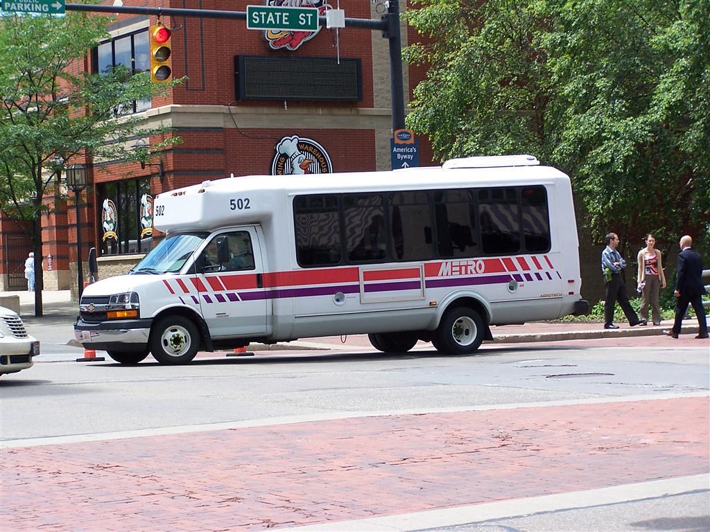 akron metro scat | raymond wambsgans | flickr
