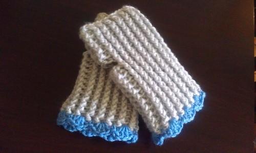 Ribbed Crochet Fingerless Gloves