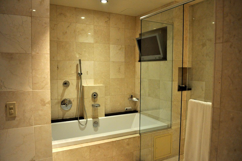 Knickerbocker Suite Jacuzzi Tub and Rainfall Shower | Flickr
