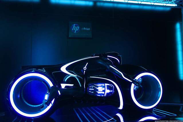 HP ePrint TRON: Legacy Experience - Tron Light Cycle - London Southbank