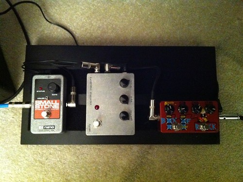 space left for a tuner pedal | by douhwa