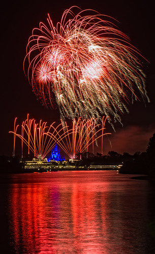 Fireworks Friday - Wishes across Seven Seas | by CodyWDWfan
