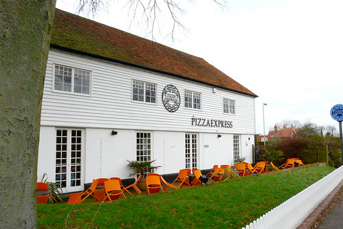 Pizza Express, Brighton Hill, Basingstoke. | by Mike Cattell