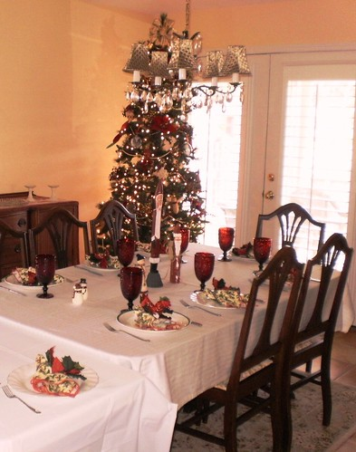 Christmas 2010 table setting | by AimsterSkitz0rz