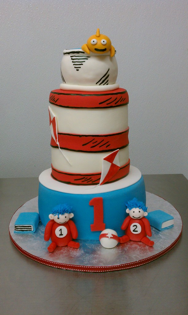 Cat And The Hat Thing 1 Thing 2 Birthday Cake Clarissa Lopez Flickr