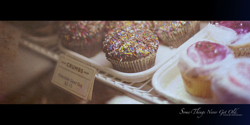 330/365 Good ol' Cupcakes. | by Victor Mui