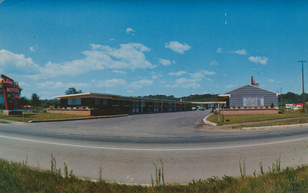 Holiday Motel - West Springfield, Massachusetts