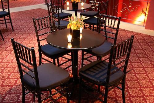 Decoraci n mesa con centro y velas humberto terenziani - Decoracion con velas ...