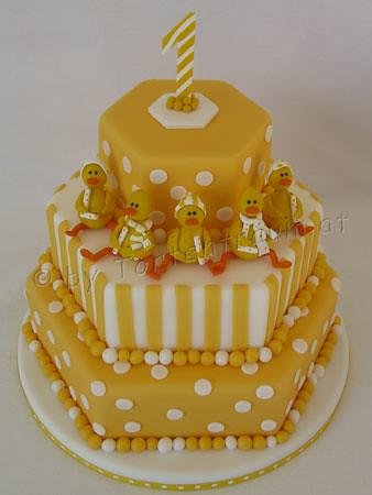 Baby Geburtstagstorte Mit Kuken Tortenfiguren Flickr