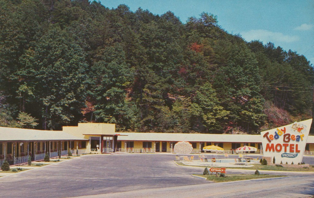 Teddy Bear Motel - Bryson City, North Carolina