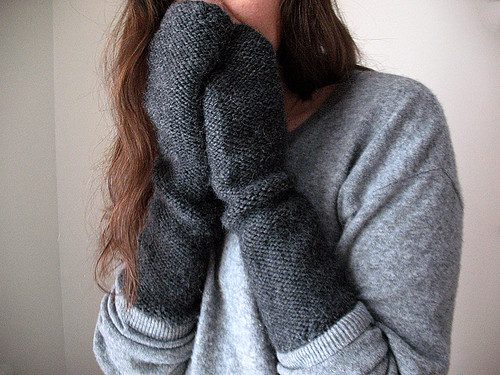 Long reverse stst mitts | by coco knits