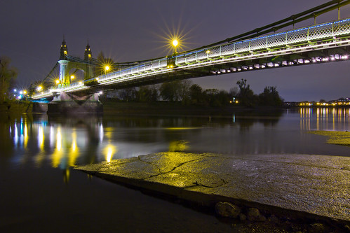 Hammersmith Bridge low tide | by esslingerphoto.com✈ (Next trip, Norway)