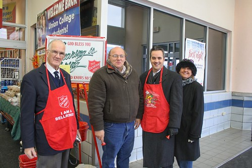 img salvation army kettle wallace campbell bell ringe flickr