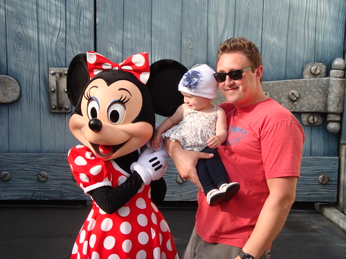 Daddy and Ava at Disneyland with Minnie. | by Dad or Alive