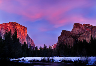 Fading sunset at Valley View (Yosemite National Park) | by Robin Black Photography