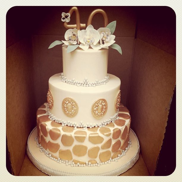 Giraffe Print Tiered Cake 3 Tiered Cake for 100 servings Flickr