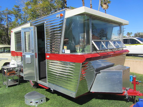 Holiday House Travel Trailer - 1960 | by MR38.