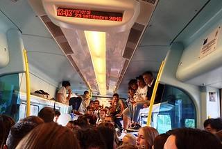 Noicattaro. Viaggiatori su portabagagli front