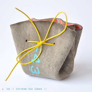 DIY drawstring coin purse | by // Between the Lines //