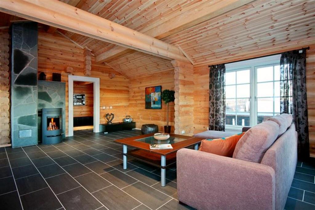Interieur foto van een houten huis met ronde logs meer wou flickr