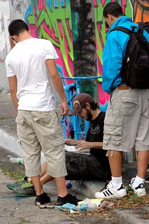 Graf artist autograph seekers | by MY PINK SOAPBOX