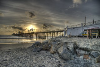 Oceanside Pier and Lifeguard Station | by dmtaubman