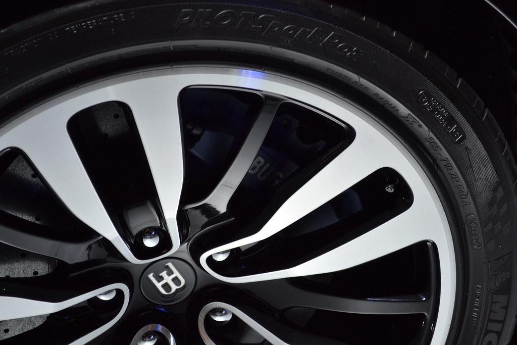 Bugatti Veyron EB16.4 Tires | Tires an rims of a Bugatti Vey… | Flickr