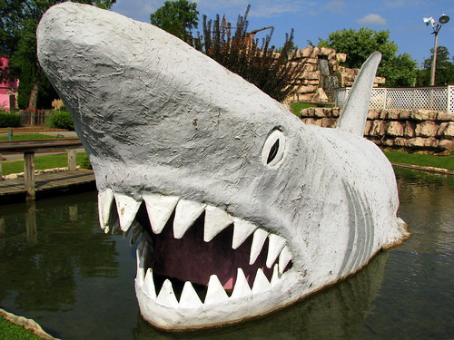 Adventure Golf: Shark