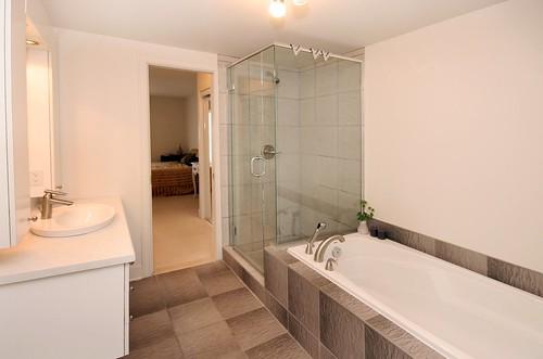 7 salle de bain avant ideco home staging flickr. Black Bedroom Furniture Sets. Home Design Ideas