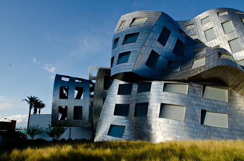 Frank Gehry: Cleveland Clinic Lou Ruvo Center for Brain Health | by Sunset Noir
