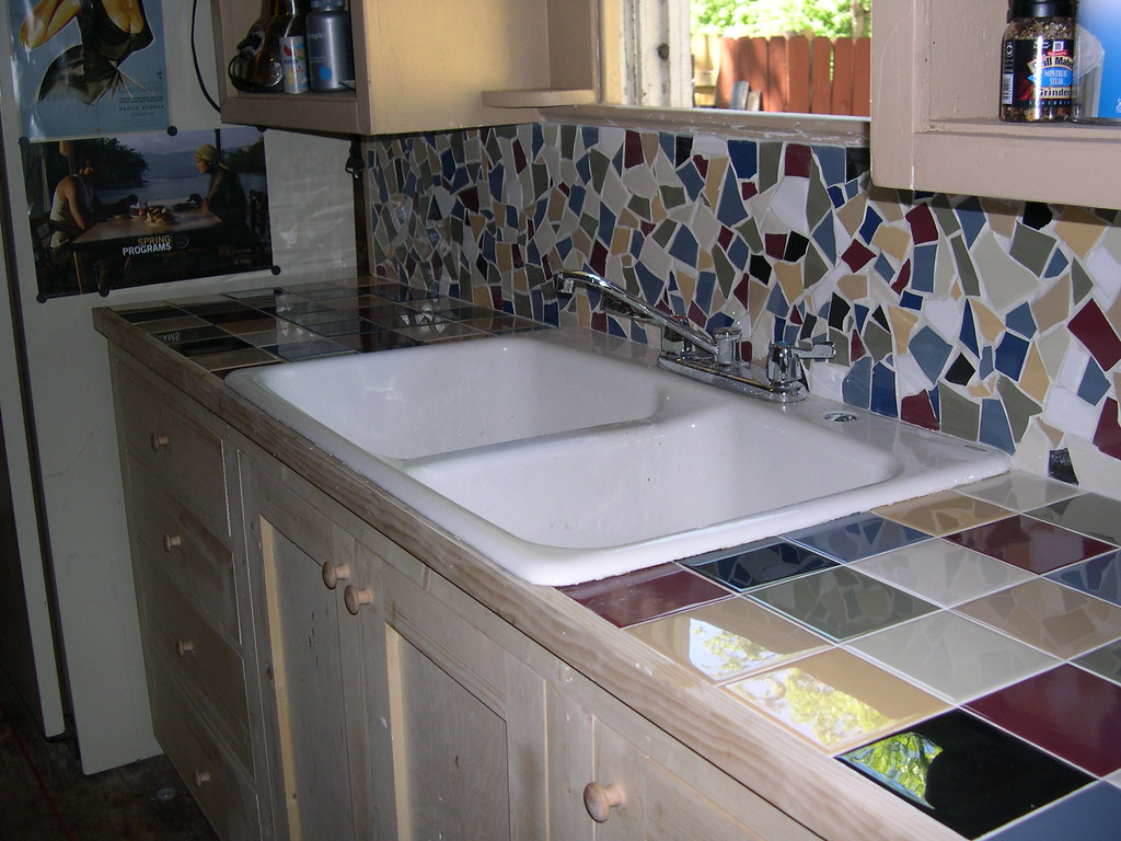 Broken Tile Mosaic Hippie House In South Austin 4x4 Til Flickr